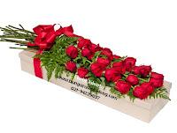 mawar dalam kotak kertas