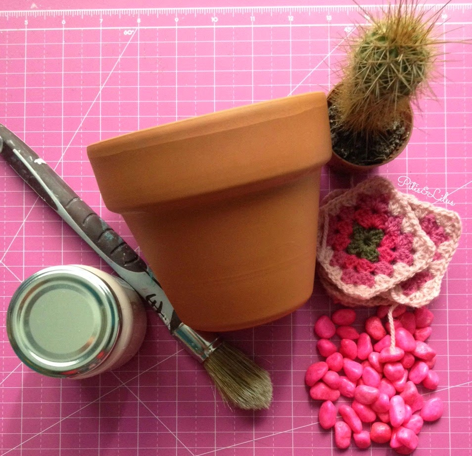 #retopinterest Decorar una maceta de Terracota con Granny
