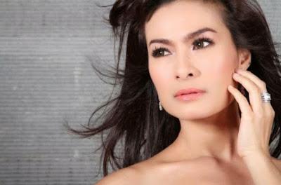 Artis Indonesia Ini Tetap Cantik Dan Seksi Di Usia 40
