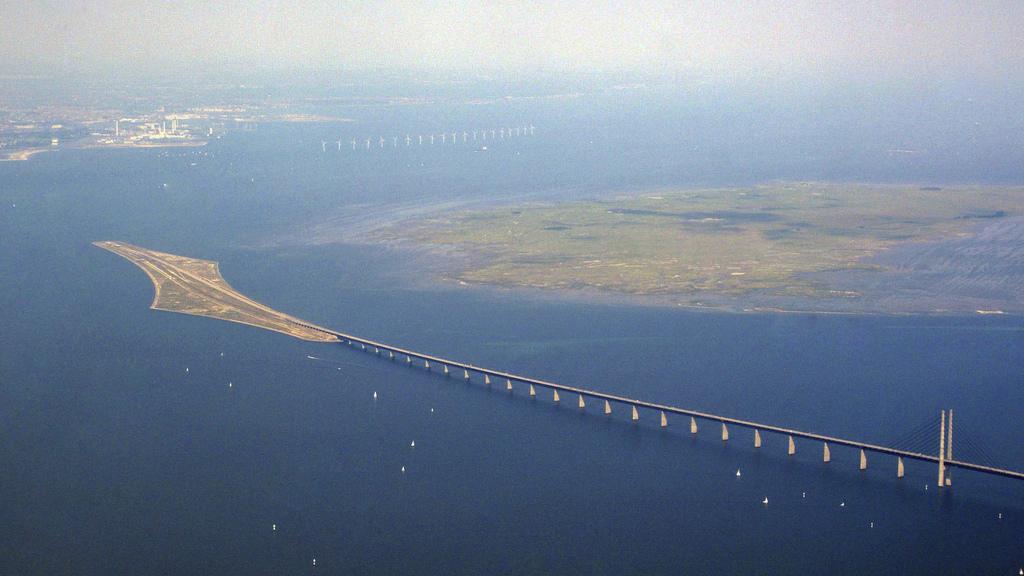 Amedeo liberatoscioli il ponte di resund for Portico e design del ponte