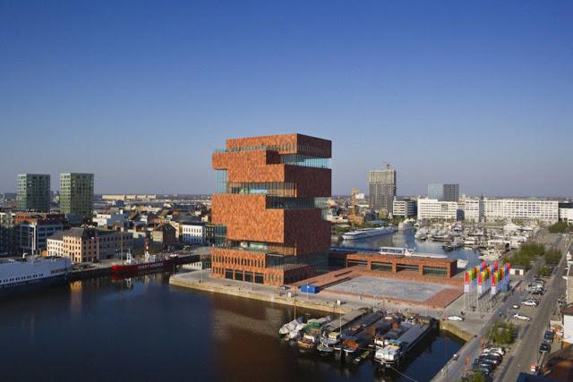 02-Museum-aan-de-Stroom-by-Neutelings-Riedijk-Architects