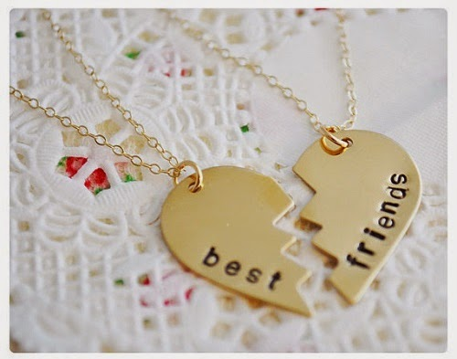 friendship day gifts, matching pendant gift on friendship day, creative idea for friendship day