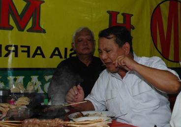 Prabowo Makan