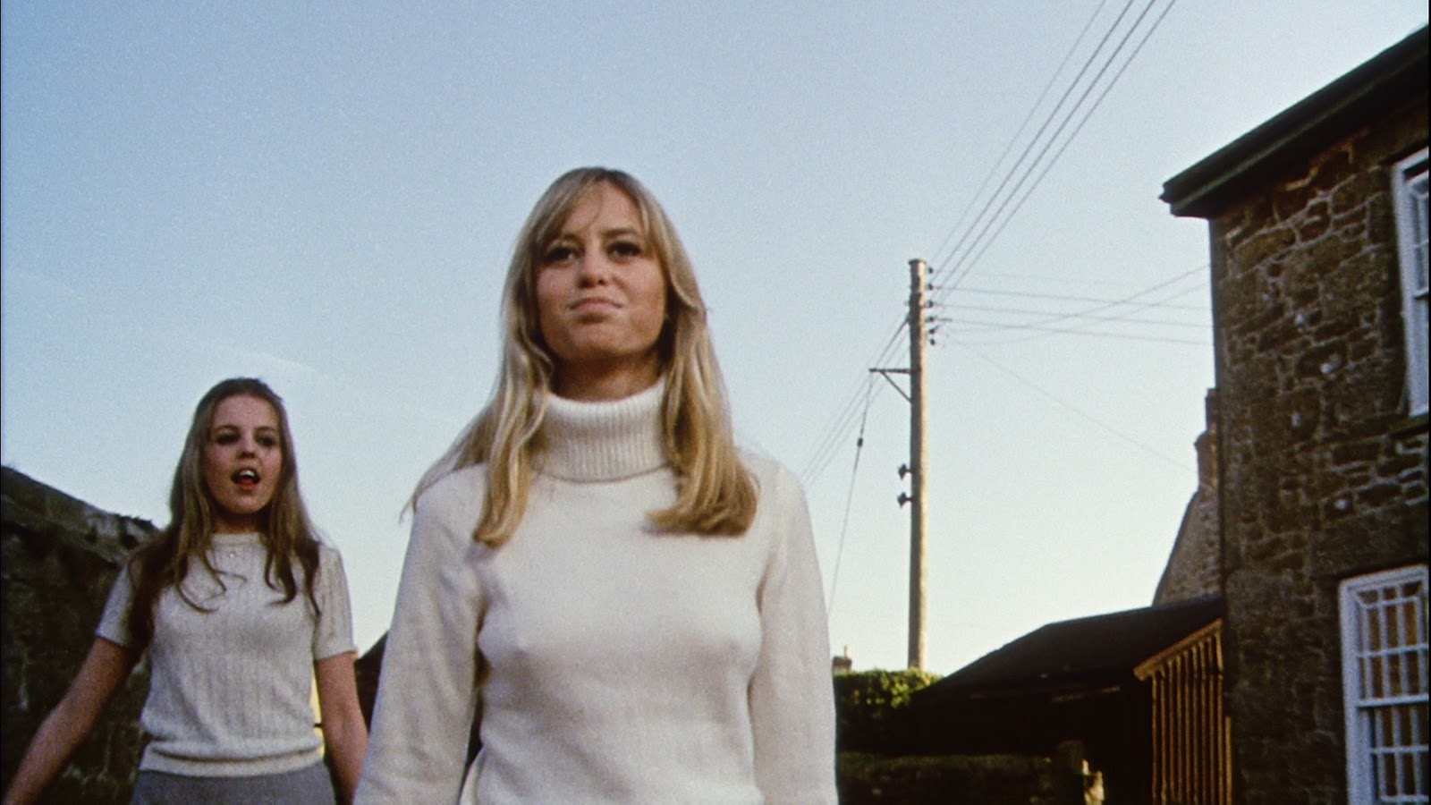 Susan George in Straw Dogs http://theincrediblystrangemovie.blogspot.com/2012/01/sam-peckinpahs-straw-dogs-uk-blu-ray.html#!