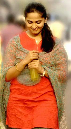 arya anushka irandam ulagam movie stills6