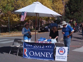 Republican booth at Saturday morning farmers market. Note the lack of foot traffic.