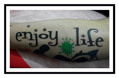 enjoy-life-lettering-tattoo