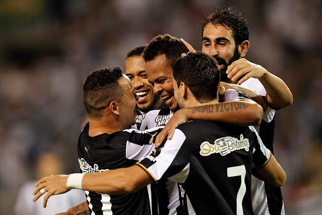 Invicto, Botafogo goleia e se mantém líder da Série B
