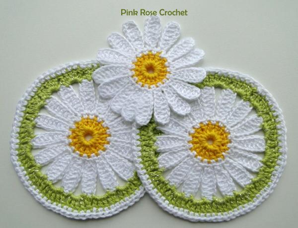 http://2.bp.blogspot.com/-vr7JJDFr-0o/UUdijqihTNI/AAAAAAAAfJs/tsmw2Fu-fpw/s1600/Centrinho+Margarida+Crochet+Daisy+Coaster.png