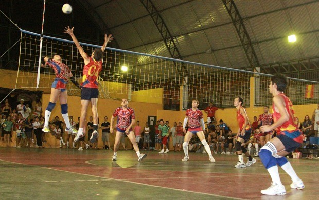 Barbie (centro) atua como ponta, foi eleito destaque da final (Foto: Frank Cunha/Globoesporte.com)