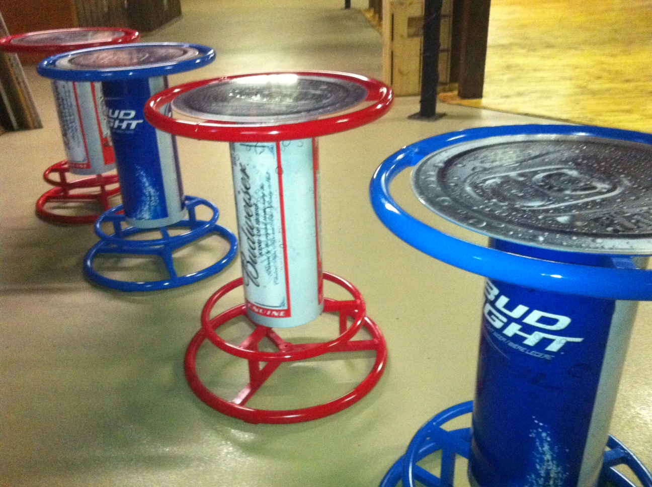 Incroyable Here Are Some Photou0027s Of The Bar Table Wraps We Did For The Ranch. Branded  With Bud And Bud Light.