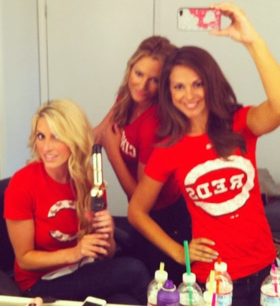 MLB Selfie Edition: Cincinnati Reds - Sexy Baseball Fans selfshots that  show team support for the Reds making the postseason!