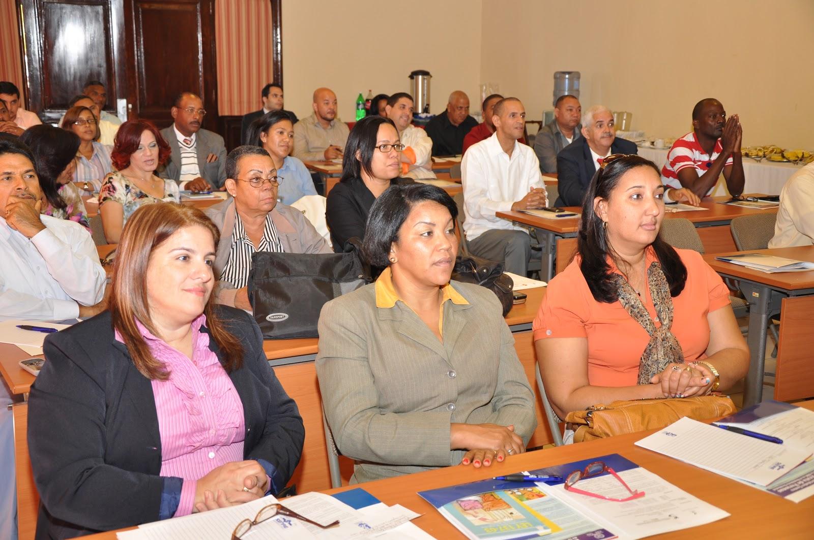 Ministerio de trabajoimparte taller sobre migraci n for Ministerio de migracion