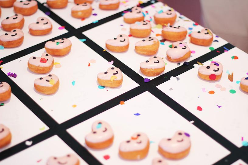 heart emoji donuts