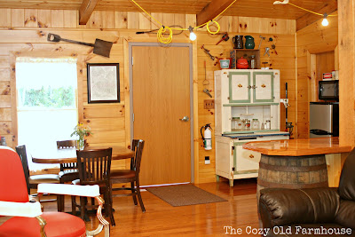 "The Cozy Old ""Farmhouse"": Cutest {Junkiest} Vintage Cabin"
