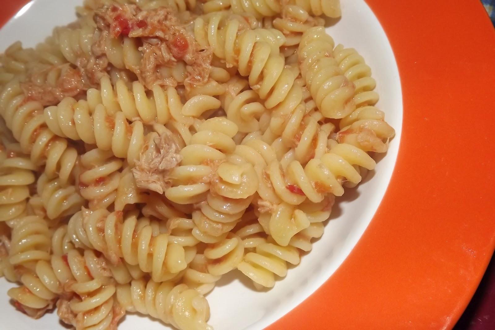 Schnelle Italienische Küche | Italienische Kuche Pasta Mit Thunfisch Und Tomaten Pasta Tonno E