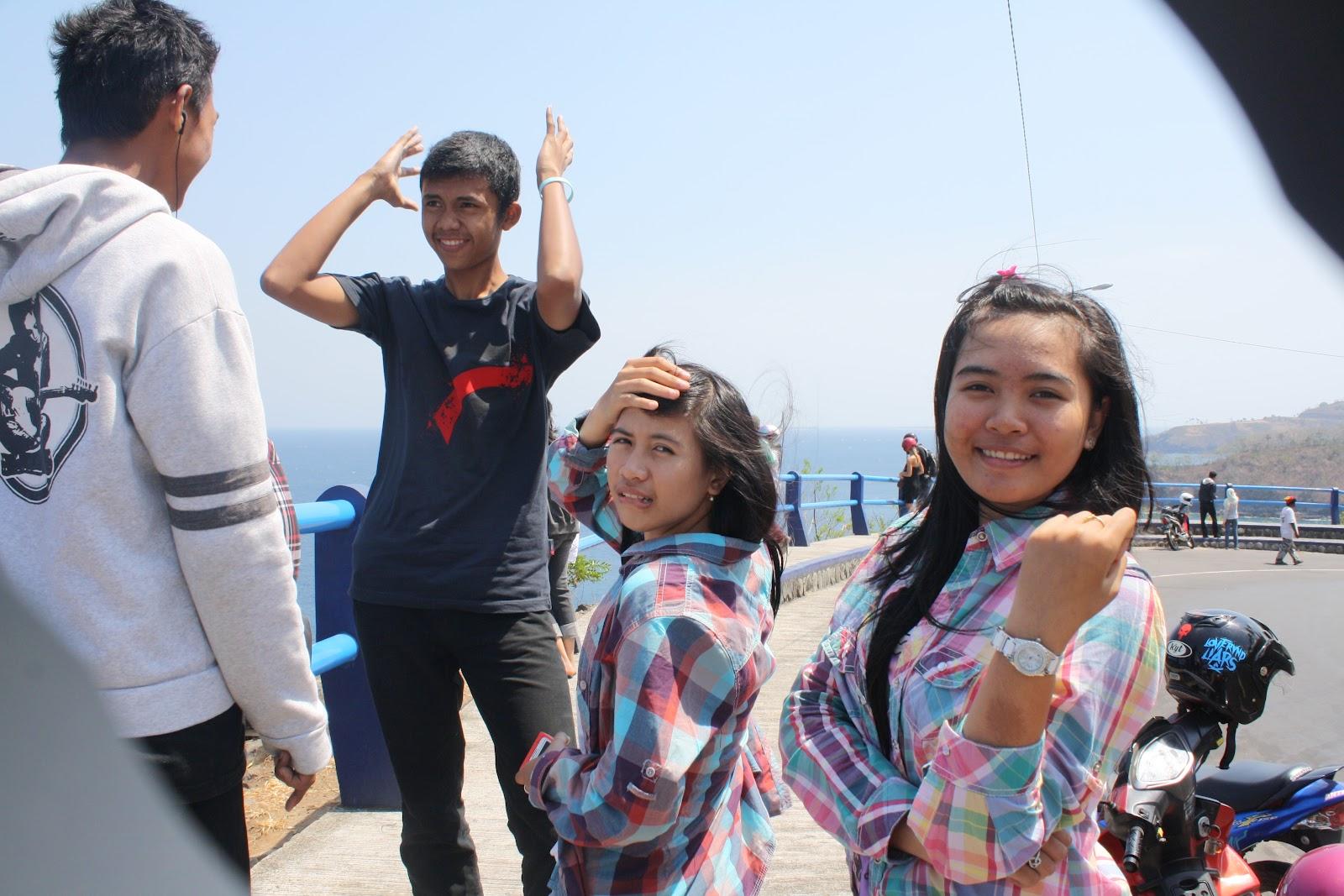 Saatnya bertualang di Malimbu Beach !!