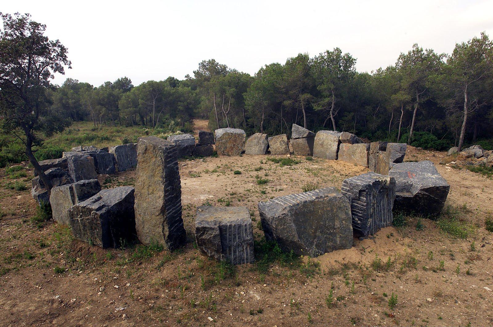 Anell de pedra. 1974-2001