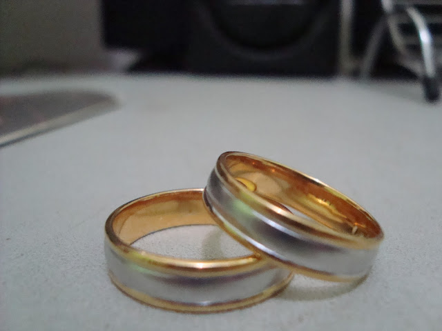 Hukum Memakai Cincin dari Emas dan Sutera