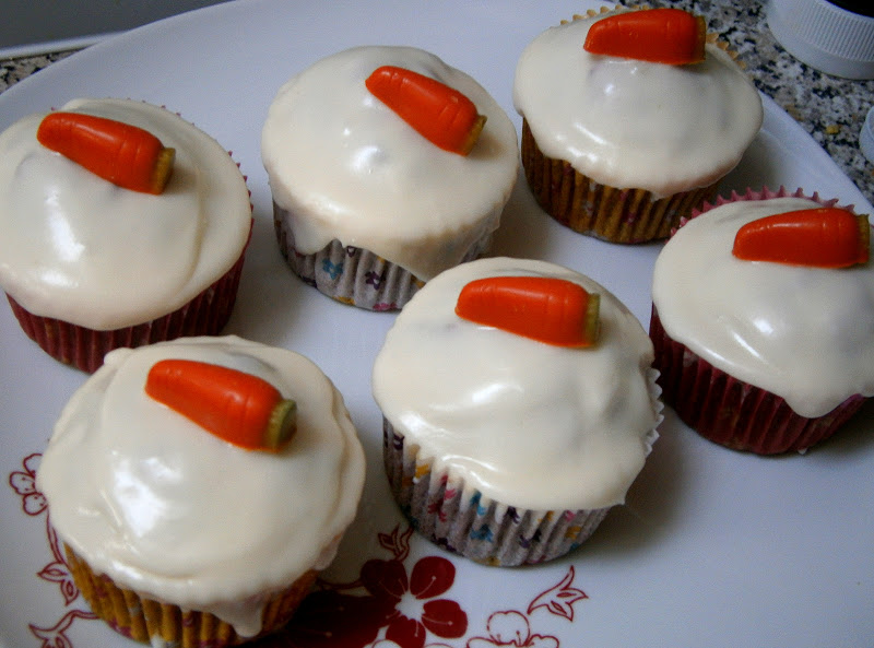 Sainsburys Cupcake Decorations : Eat Rainbow Love: Carrot cake cupcakes