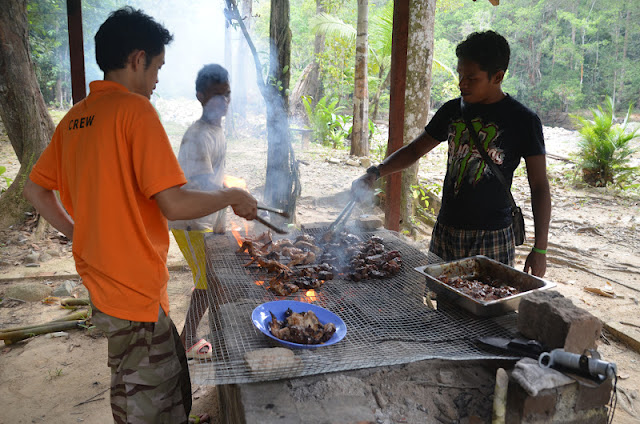 BBQ at Selai Endau Rompin - Adventure TeamBuilding