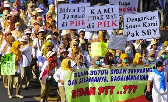 Bidan PTT Prioritas PNS