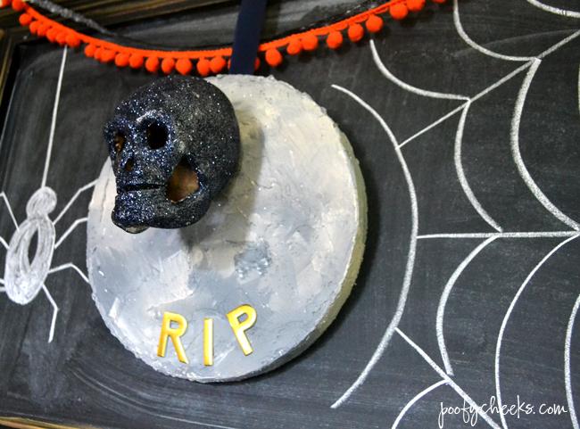 Halloween Skull and Headstone Craft - Use foam discs #MakeItFunCrafts