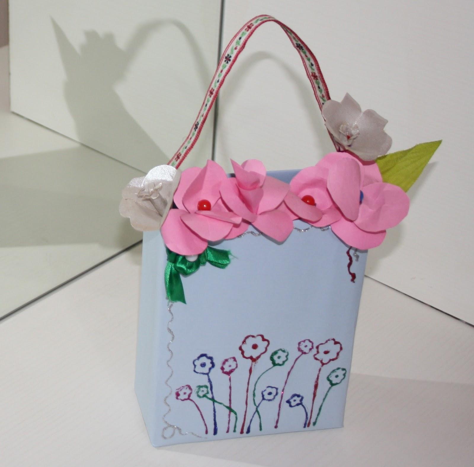 Priyankas Creative World Handmade Vase And Flowers With Chart Paper