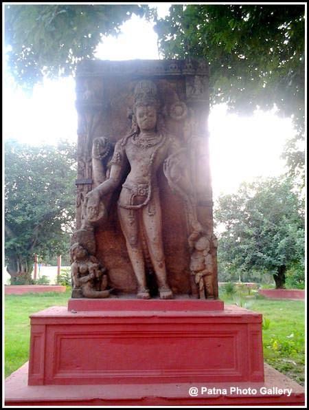 Patna Museum  statue