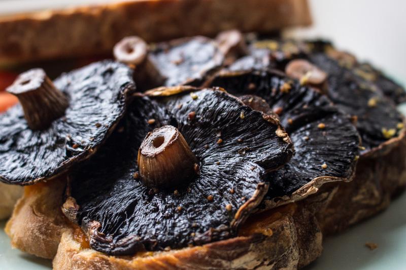 Portobello Mushroom Sandwich | Svelte Salivations