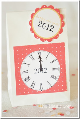 New Years Eve Countdown Bag wm thumb New Years Printable Roundup