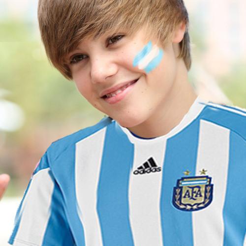 Justin Bieber Pictures - Justin Bieber Photo Gallery - 2014