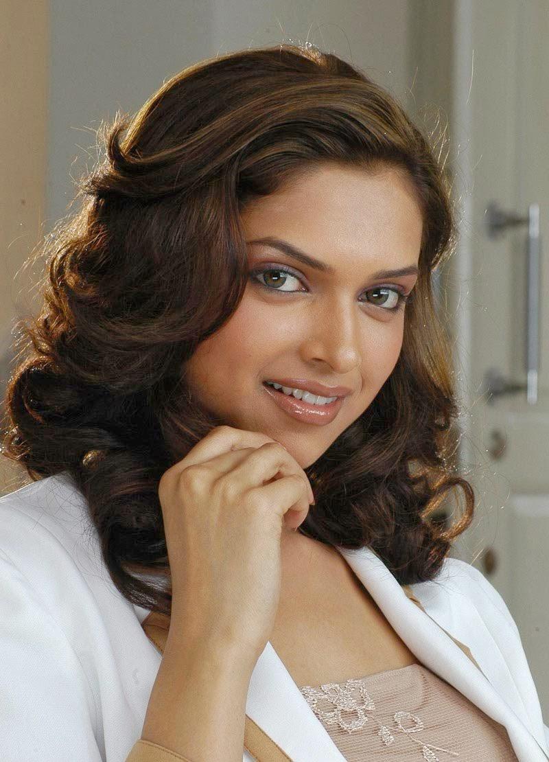 Deepika Padukone's Top 100 hottest HD Pics