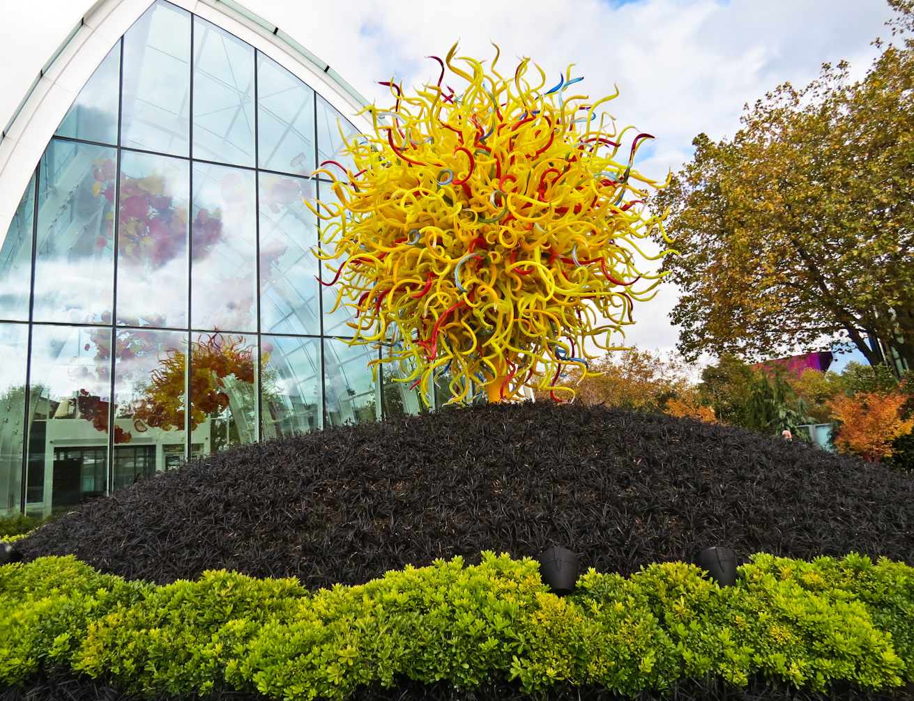 Onthemove At Home Chihuly Garden And Glass Visit