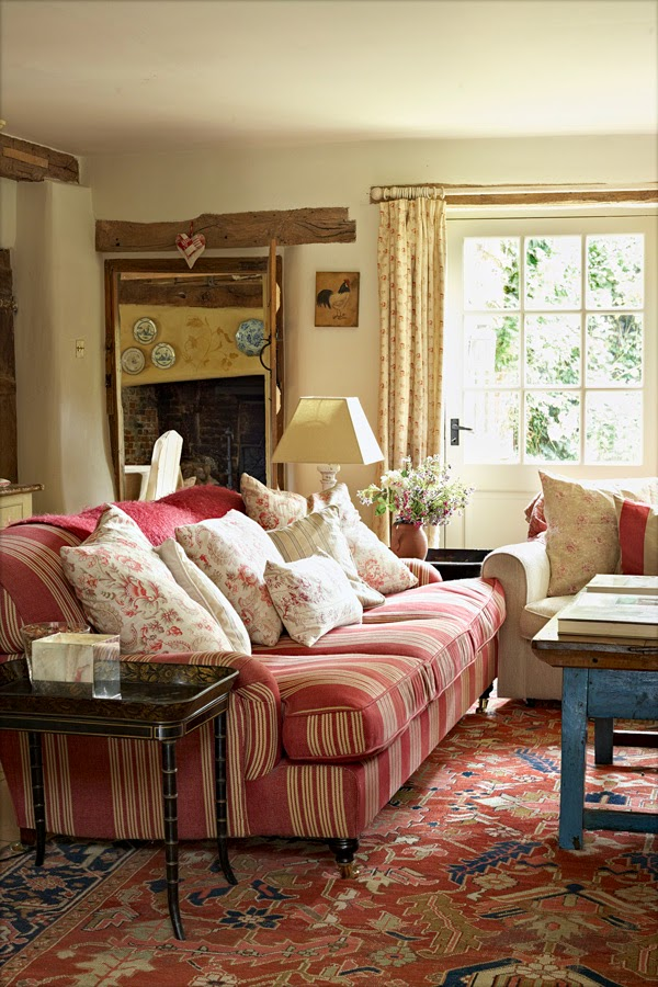 Decor inspiration english country house cool chic for Country home decor magazine