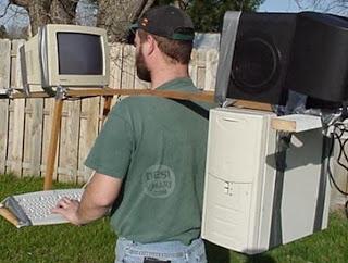 Smešne slike: Čovek zavisnik računara