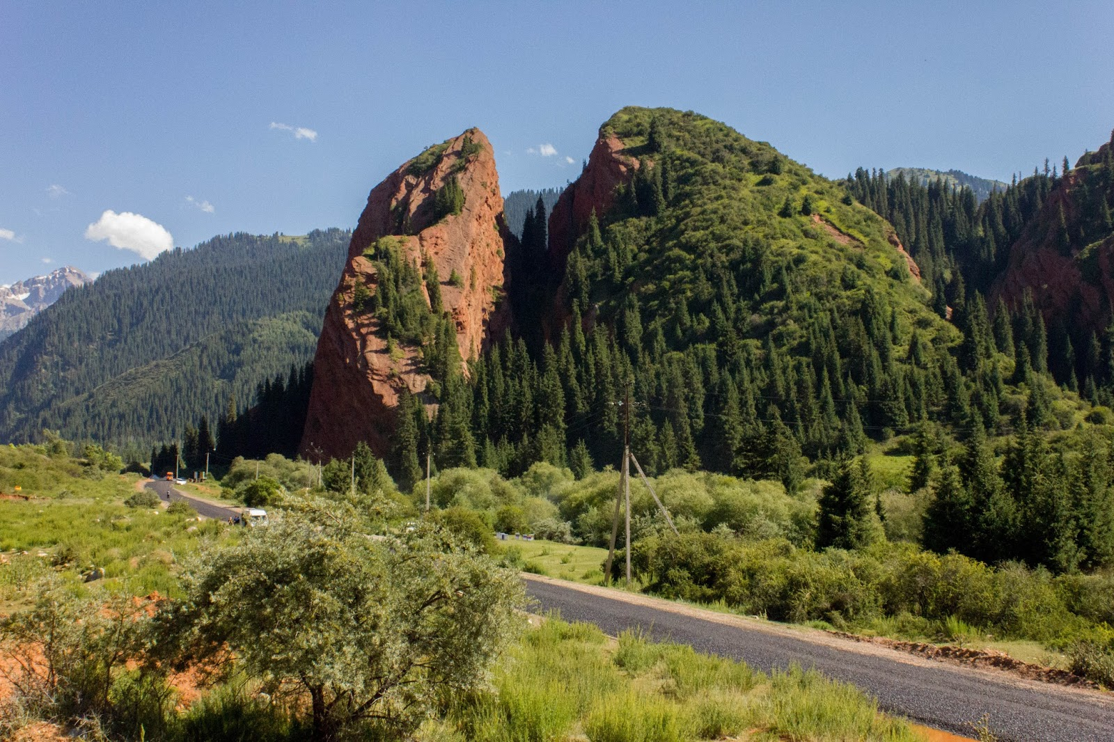 Кыргызстан, Джеты-Огуз, Иссык-Куль, Разбитое сердце