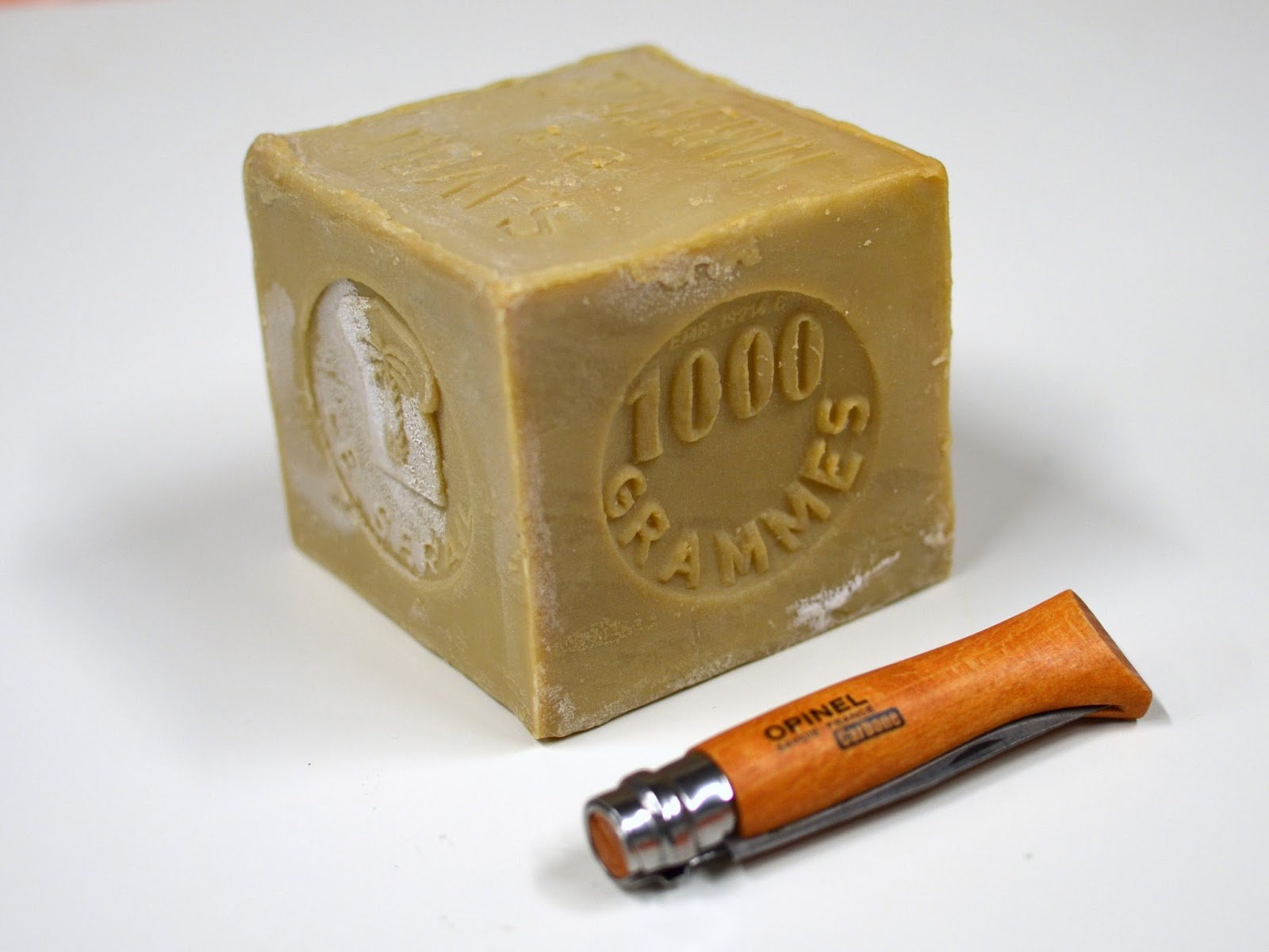 the velo orange blog savon de marseille tradtional french soap. Black Bedroom Furniture Sets. Home Design Ideas