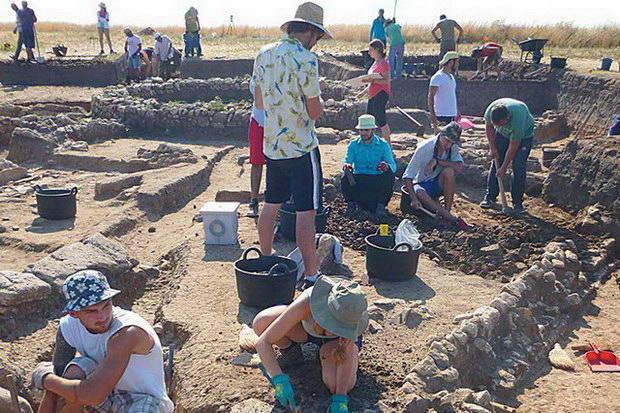 Αρχαία οικία με θησαυρούς 2.500 ετών στη Ροδόπη
