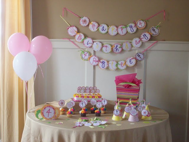 Baby showers ideas party favors ideas for Baby girl birthday decoration pictures