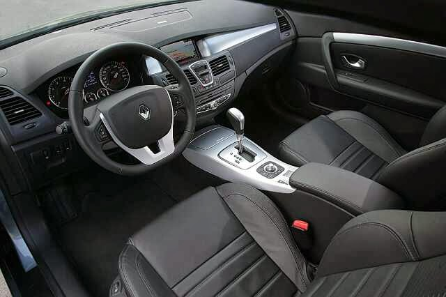 renault laguna coupe white edition pictures wallpaperautocars. Black Bedroom Furniture Sets. Home Design Ideas