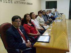 Pr. Carlos sendo homenageado pela Câmara Municipal de Piacatú, através do vereador Paulo Chocolate
