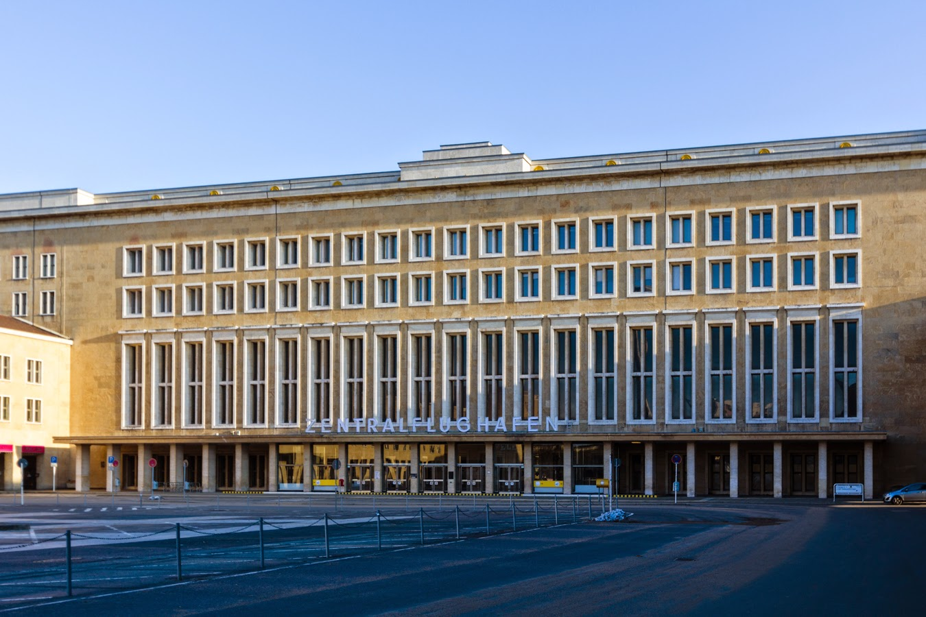 Tempelhof the mother of all 39 abandoned 39 airports for Carports berlin