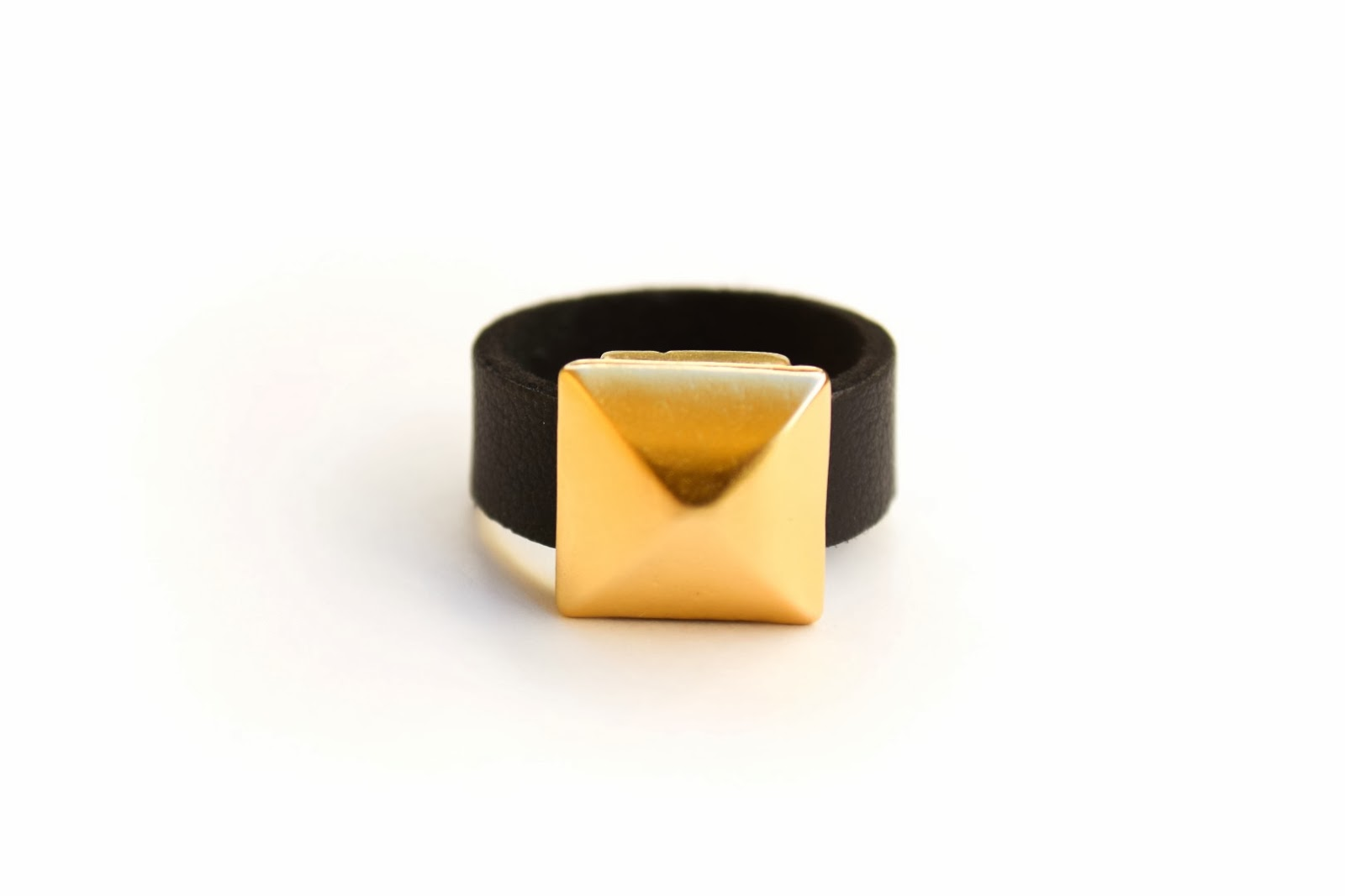 gold pyramid ring