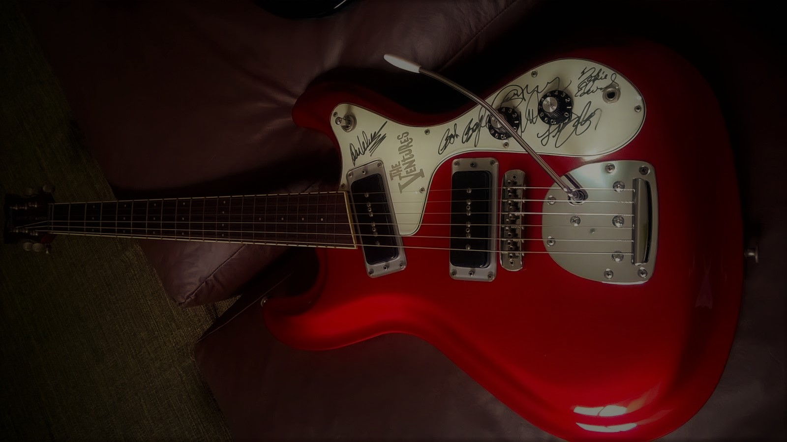 "Aria - 2001 - Model VM-02 - ""The Ventures 40th Anniversary"" - Candy Apple Red"