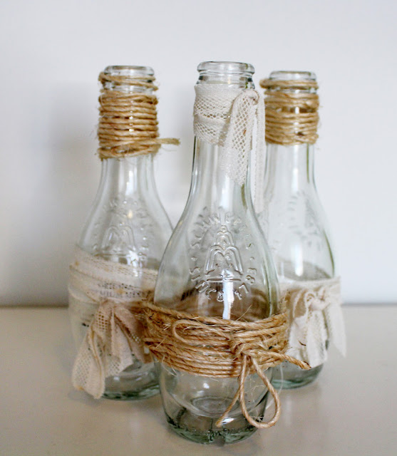 botellas decoradas con blondas