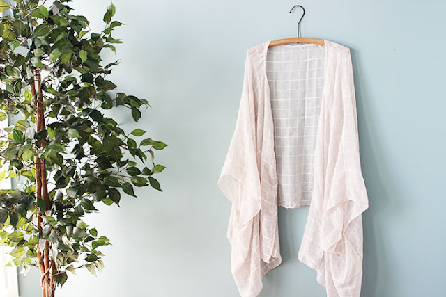 http://www.thewonderforest.com/2015/05/make-diy-kimono-from-scarf.html#more