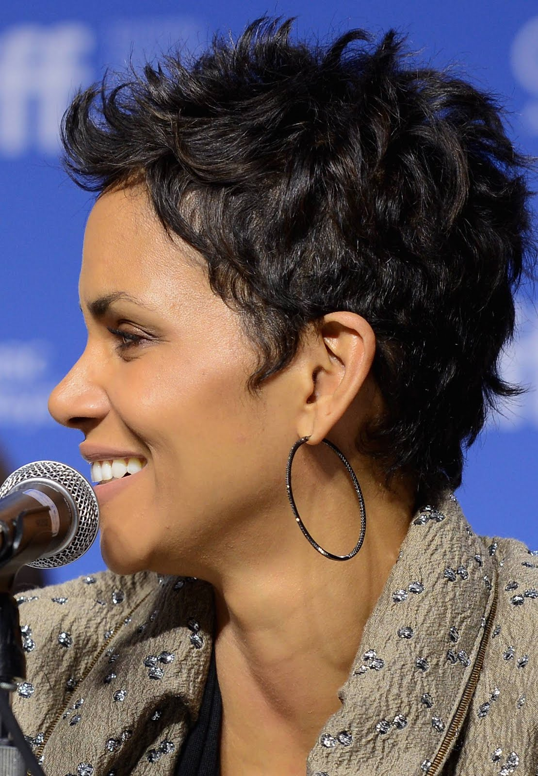 Fashion And Whatever I Like Halle Berry Is The Queen Short Hair Nobody C