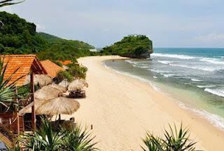 melihat keindahan pantai indrayanti yogyakarta