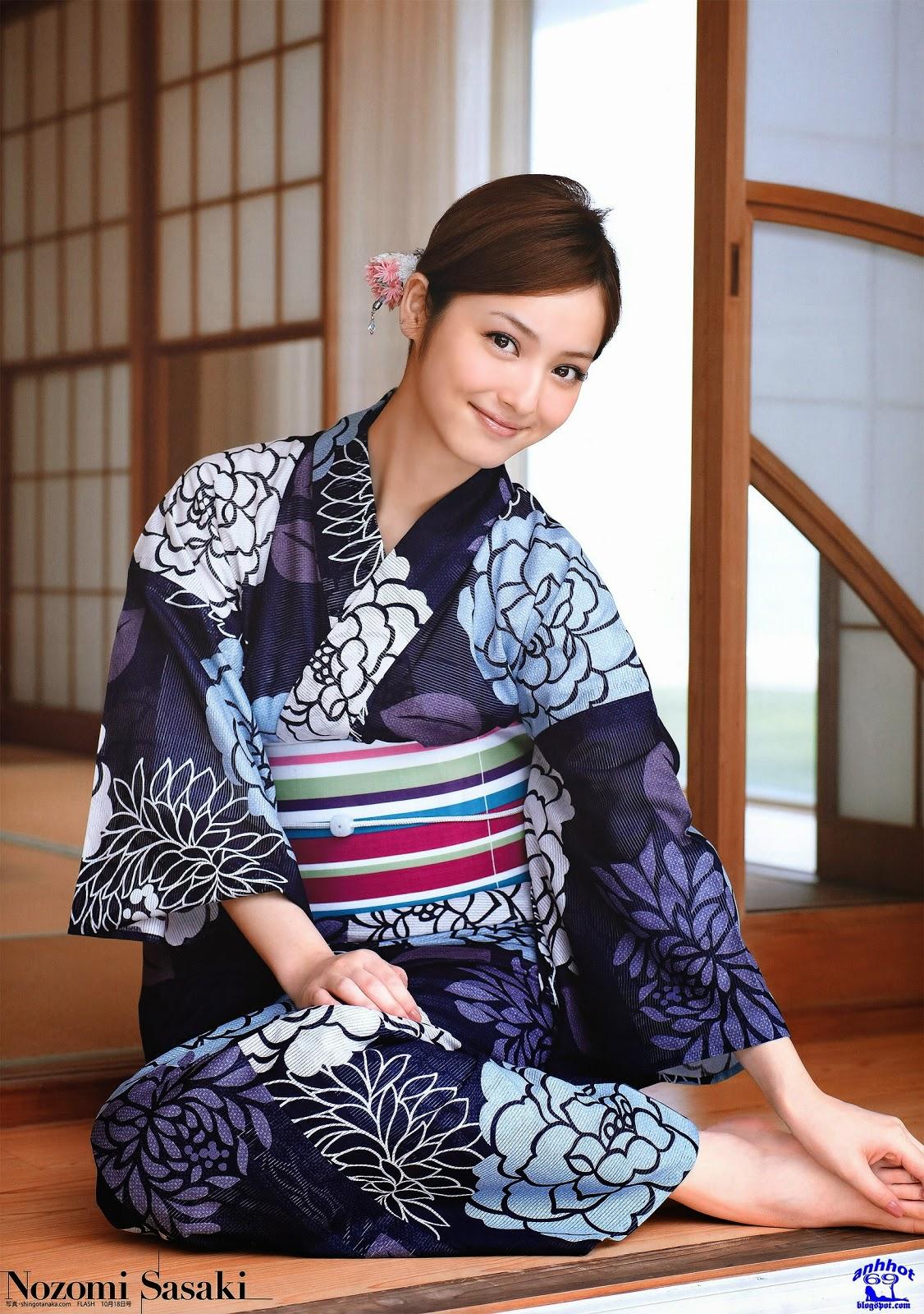 nozomi-sasaki-01291068